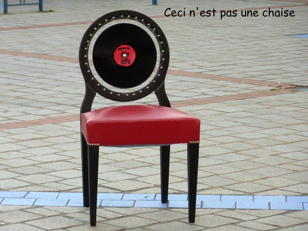 Ceci n est pas une chaise initiale f - Ceci n est pas une chaise ...